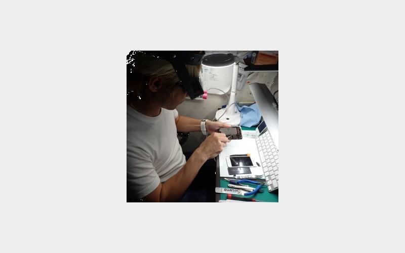 沖縄最安のiPhone修理屋さん「南国百貨店」